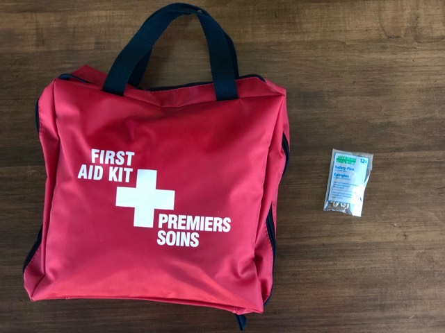 FIRST AID KIT - Safety Pins